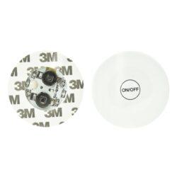 Osvětlení pro bongy a vodní dýmky LED, 45mm-Barevné LED osvětlení pro bongy a vodní dýmky. Osvětlovací modul je vybavený čtyřmi diodami a z druhé strany přepínačem ON/OFF, kterým se při každém zapnutí mění barva světla. Pro uchycení osvětlení slouží oboustranná lepící páska, která je na obvodu osvětlení. Napájení zajišťuje 2x baterie CR1220 3V. Průměr osvětlovací jednotky je 45mm, výška 4mm.