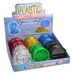 Drtič tabáku plastový 2 dílný, 12mix-Plastový drtič tabáku. Dvoudílný drtič bez sítka a zásobníku. Rozměry drtiče tabáku: průměr 53mm, výška 22mm. Před odesláním objednávky uveďte číslo barevného provedení do poznámky.  Cena je uvedena za 1 ks.  Balení - 12 ks